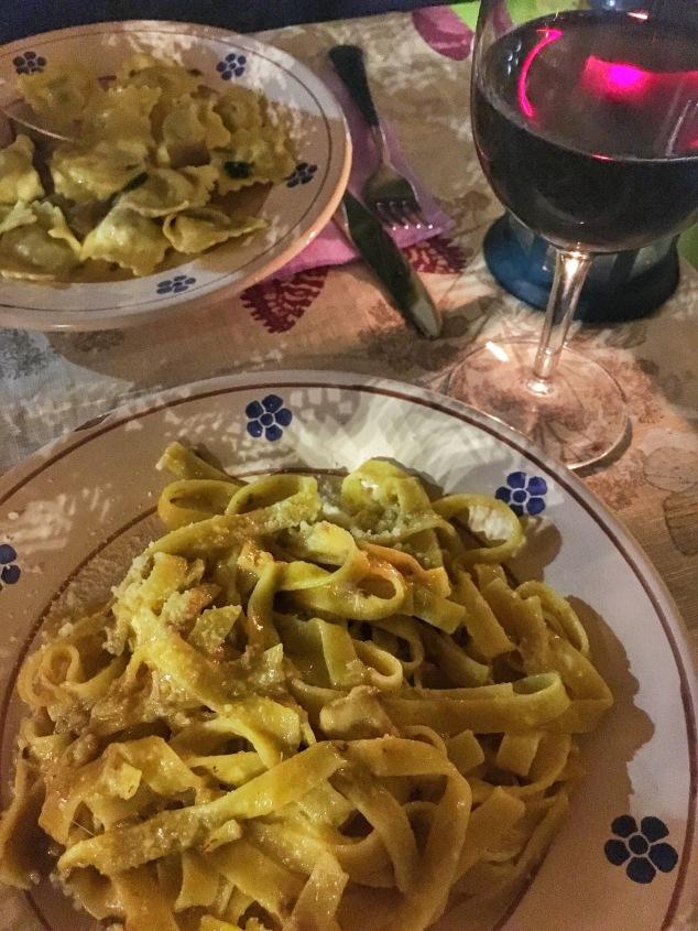 Pasta and vino